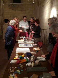 Gerda Jacobs, nous a fait partager sa passion pour la mosaïque contemporaine à la Prévôté, à saint-Aignan dans le Loir-et-cher. Notez les 28 et 29 mars prochains, dates des Journées Européennes des Métiers d'Art. Il y aura portes ouvertes à l'atelier au Petit Pressigny. En plus, elle a invité 4 autres artistes à venir exposer à La Barillère. Pour en savoir plus cliquez sur le lien suivant :   www.gerdajacobs.com
